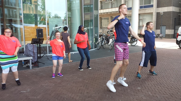 EspecialCare Special dancers in actie -1 2015